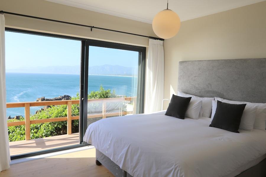 Main bedroom at Cliff Lodge Cottage De Kelders South Africa